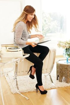 Another quick casual outfit, black jeans and heels with a lacy lose knit top/jumper and a plain tank underneath. -- I love Lauren Conrad and her style Looks Chic, Looks Style, Love Her Style, Style Me, Mommy Style, Lauren Conrad Style, Lauren Conrad Beauty, Love Lauren, Looks Jeans