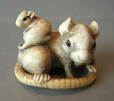 Antique Ivory- Rat with young