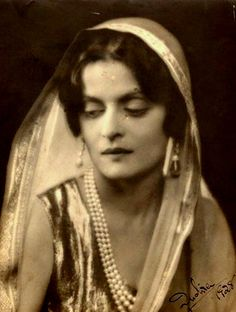 HH the Maharani Sahiba Indira Raje of Cooch Behar. She was betrothed at a young age to Madho Rao Scindia, the then Maharaja of Gwalior but later fell in love and married Jitendra, younger brother of the Maharaja of Cooch Behar in London. She died in Bombay in 1968  - Indira, Maharanee of Cooch Behar by Dorothy Wilding, chlorobromide print, 1928 - National Portrait Gallery, London. - ♥ Rhea Khan