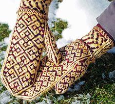 Warm-Hearted mittens ~ free pattern by Yvette Noel via knitty.com