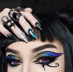 Fx Makeup, Blue Eye Makeup, Glitter Makeup, Beauty Makeup, Makeup Tips, Cleopatra Makeup, Egyptian Makeup, Gothic Makeup, Fantasy Makeup
