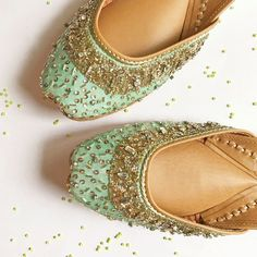 The widest range of modern punjabi jutti designs, wedges, and flat sandals along with options of matching clutches. Bridal Sandals, Bridal Shoes, Fashion Slippers, Fashion Shoes, Indian Shoes, Wedding Shoes Bride, Stylish Sandals, Beautiful Shoes, Footwear