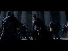 """Você gosta de cinema? então não peca essa lista preparada para deixar você de queixocaído, babando para Com muita vontade de ver.    Se """"Os Vingadores"""" apavorou nas bilheterias e atingido a marca de US$ 1,4 bilhão em faturamento no primeiro semestre, a disputa promete ser ainda mais acirrada nos próximos seis meses. Super-heróis como Homem-Aranha e Batman vão dar o ar da graça nas telas e prometem rivalizar com as estrelas da Marvel em faturamento."""