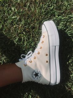 Dr Shoes, Swag Shoes, Hype Shoes, Me Too Shoes, Mode Converse, Converse Shoes, Converse High, Yellow Converse, Cute Sneakers