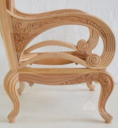 The Wonders of Wood Carving Art Art Deco Furniture, My Furniture, Furniture Design, Wood Carving Designs, Wood Carving Art, Woodworking Inspiration, Furniture Inspiration, Classic Home Furniture, Japanese Joinery