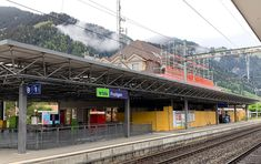 Das Bahnhofsgebäude der BLS in Frutigen ist bezugsbereit - Bahnonline. Unique Weddings, Train, Blog, Makeup, Roof Tiles, Room Layouts, Communities Unit, Ground Floor, Tourism