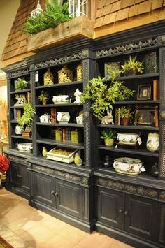 three french hens Black Bookshelf, Green Architecture, Tuscan Decorating, Book Shelves, Entrance Doors, Bookcases, Hens, Boutiques, French Country