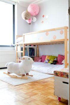 LOTS of good ideas for using the Ikea Kura kids' loft bed for Maddies room Kura Cama Ikea, Ikea Kura Hack, Ikea Hack Kids, Ikea Hacks, Kura Bed Hack, Cool Bunk Beds, Kid Beds, Loft Beds, Little Girl Rooms