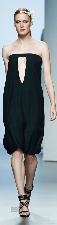 Juana Martin Spring-summer 2015. Spring 2015, Summer 2015, Spring Summer, Black Pants Outfit, Dark Poetry, Glamorous Evening Gowns, Haute Couture Fashion, White Fashion, Summer Wear