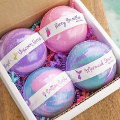 Sugar Scrub Diy, Diy Scrub, Unicorn Bath Bombs, Mermaid Bath Bombs, Rainbow Bath Bomb, Bath Bomb Packaging, Bath Bomb Gift Sets, Unicorn Gifts, Spa Gifts
