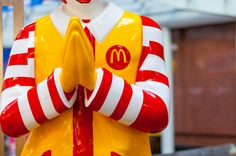 #Onthisday in 1902 Ray Kroc, founder of #McDonalds, was born. What was the secret to his #branding success? http://owl.li/T0VVt