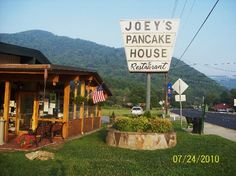 Joey's Pancake House - Maggie Valley, NC Fantastic Pancakes in one of the most beautiful places. Maggie Valley North Carolina, Bryson City North Carolina, Maggie Valley Nc, North Carolina Mountains, North Carolina Homes, Nc Mountains, The Pancake House, Family Vacation Spots, On The Road Again