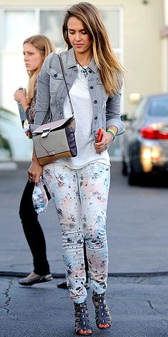 Jessica Alba - adore her skinnies // floral