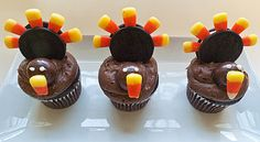 """GOBBLE-GOBBLE, TURKEY CUPCAKES!-These easy turkey cupcakes are a great way to sweetly celebrate the season """" and they are the perfect treats to get the little ones involved in the kitchen fun. http://www.tablespoon.com/posts/gobble-gobble-turkey-cupcakes/3bc43ae9-b9ed-40fd-b61f-68434cab1159"""