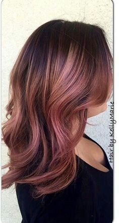 Rose gold for brunettes