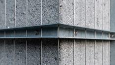 #uster #zürichoberland #architektur #subtilearchitektur #kontext #details #struktur #filigran #pergola #swissarchitecture #architecturephotography Swiss Architecture, Pergola, Shelves, Home Decor, Photos, Architecture, Shelving, Shelving Racks, Interior Design