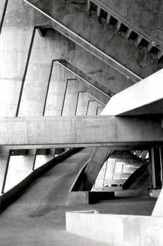 Pasillos y rampas bajo las gradas, Estadio Azteca, Calz de Tlalpan 3465, Santa Ursula Coapa, Coyoacán, Ciusws de México 1966    Arqs. Pedro Ramírez Vázquez y Rafael Mijares    Foto. Francisco Uribe -   Corridors and ramps under the stands, Azteca Stadium, Calzada de Tlalpan 3465, Santa Ursula Coapa, Coyoacan, Mexico City 1966