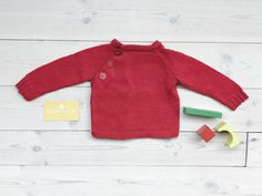 Red vintage baby sweater 0-3 months, Newborn baby girl jumper in bright red knit, 90s baby Christmas pullover, Nordic style baby clothes by ElleBelleVin on Etsy