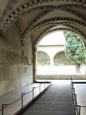 Riaperto il Chiostrino dei morti a Santa Maria Novella. Dopo 13 anni è tornato visibile.