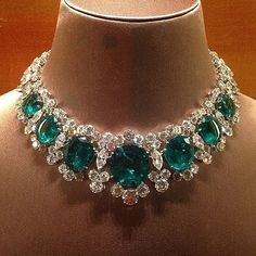 Jewelry OFF! A Gorgeous Emerald and Diamond Necklace – Gorgeous Gems and Jewelry Emerald Necklace, Emerald Jewelry, Gems Jewelry, Jewelry Sets, Fine Jewelry, Jewelry Necklaces, Diamond Necklaces, Jewellery Box, Gold Earrings