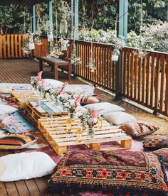 Bohemian Style Homes For Sale below Bohemian Style Home Accessories but Home Decoration Ideas For Dohale Jevan his Home Decor Ideas Brown Furniture time Home Decor Ideas Teenage Bedroom Bohemian Style Home, Bohemian Porch, Modern Bohemian, Bohemian Decor, Boho Chic, Bohemian Cafe, Bohemian Homes, Hippie Style, Shabby Chic