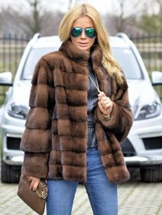 Camel Coat Outfit, Fur Fashion, Fashion Trends, Fashion Ideas, Winter Fashion, Fashion Outfits, Shearling Coat, Wool Coat, Fur Jacket
