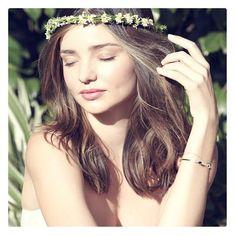 女子の好きなものの一つにミランダ・カーの名前があがるほど世界中の憧れの的です。モデルと母の2つの顔を持つ彼女はどのようにしてあの美…
