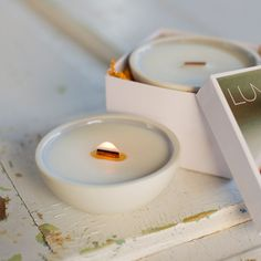 Soy candle for the nature-lover. Reusable porcelain, essential oils, wooden wick. CANYON (mint, bergamot, thyme). Clean modern design.