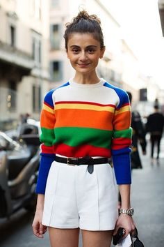 Match Kitschy Sweaters With High Waists - How To Pull Off Vintage Looks: For Beginners - Photos