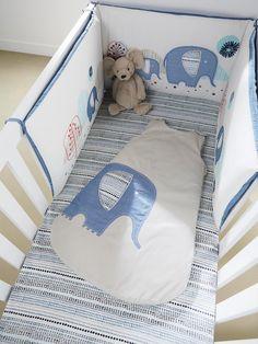"""Silhouette Nestchen mit Elefanten + Mitwachsender Babyschlafsack mit Elefant + Spannbettlaken """"Blue Safari"""" -"""