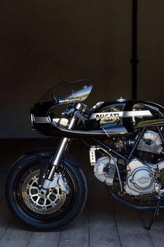 #Ducati #motorcycle #eatsleepride http://app.eatsleepride.com/
