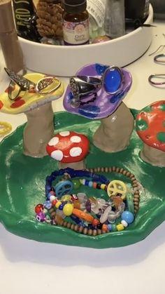 Ceramic Pottery, Pottery Art, Ceramic Art, Indie Room Decor, Aesthetic Room Decor, Keramik Design, Clay Art Projects, Cute Clay, Dry Clay