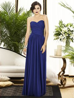 Long navy bridesmaid dress with a sweetheart neckline