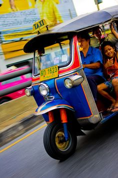Awesome Thai Pics: Tuk Tuks, Bangkok, Thailand