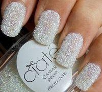 this pearl nails polish looks super cute!