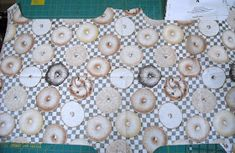 Sid's In Stitches: Easy Placemats for a Round Table Free Pattern Homer Decor, Placemats For Round Table, Missouri Star Quilt, Table Runners, Free Pattern, Arts And Crafts, Things To Come, Quilts, Sewing