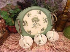 Фотография моя работа: декупаж салфеткой, лессировка, легкое состаривание Decoupage, Tea Pots, Stencils, Decorative Plates, Tray, Tableware, Home Decor, Lazy Susan, Wooden Crafts