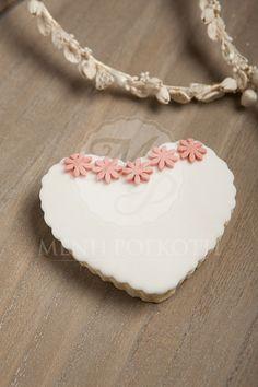 Μπισκότο βουτύρου για γάμο καρδιά με λουλουδάκια