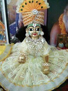 Laddu Gopal Bal Krishna, Jai Shree Krishna, Cute Krishna, Radha Krishna Photo, Krishna Photos, Krishna Images, Krishna Art, Lord Krishna, Turbans