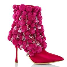 Manolo Blahnik navrhl boty s krystaly od Preciosy – DesignMag. Sergio Rossi, Katy Perry, Givenchy, High End Shoes, Couture Trends, Exclusive Shoes, Manolo Blahnik Heels, Couture Shoes, Couture Dresses