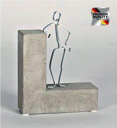 """Amazon.de: Geschenkidee Skulptur """"STOLZ DRAUF!"""" Beton, Geschenk zur bestandenen Prüfung, Examen."""