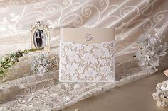 30 PC romántica boda Favor invitación con blanco ahuecado patrón Floral, boda favores, invitación de boda