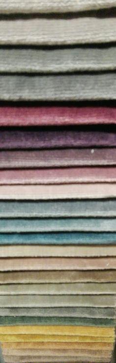 Zware velours in vintage kleuren palet. Ook voor meubelstof geschikt.