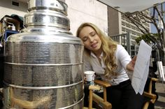 Why is Hayden Panettiere making out with the Stanley Cup? (Click on the image to see a whole bunch of HD pics of her molesting Stanley)