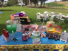 Peppa Pig Birthday Dessert Table Easy Birthday Desserts, Dessert Table Birthday, Easy Desserts, Pig Birthday, Birthday Parties, Birthday Ideas, Chocolate Lovers, Chocolate Cake, Peppa Pig