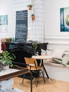 8 Food Hotspots in Antwerpen Holland, Lunch Room, Cafe Design, Places, Interior, Travelling, Travel Tips, Trips, Wanderlust