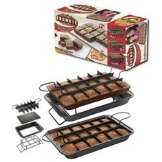 As seen on tv, perfect brownie pan. I totally want this lol as every brownie is an coveted edge brownie! Cake Baking Pans, Baking And Pastry, Cake Pans, Tart Molds, Brownie Pan, Baking Utensils, Egg Tart, Kitchen Supplies, Kitchen Tools