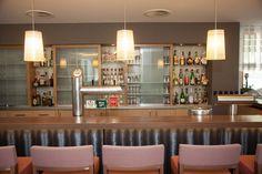 Die Bar im AKZENT Hotel Kaliebe in Trassenheide Das Hotel, Liquor Cabinet, Bar, Storage, Furniture, Home Decor, Fine Dining, Outdoor Camping, Purse Storage
