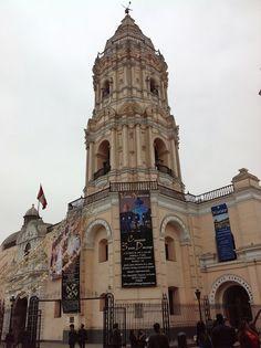 CONVENTO DE SANTO DOMINGO DE LIMA E PARQUE DA MURALHA - Uma Senhora Viagem