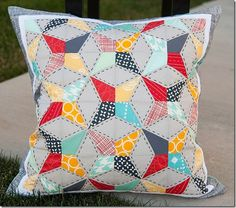 paper pieced kaleidoscope quilt pillow pattern :: FineCraftGuild.com